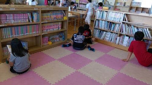図書室3.jpg