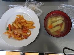 マカロニナポリタン&野菜スープ.JPG