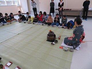 2月13日2年生お茶会.jpg