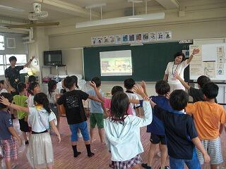 7月17日1年外国語活動.jpg