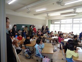 2月17日新1年生学校見学.jpg