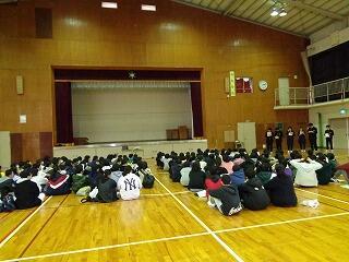 2月3日6年生中学校見学1.jpg