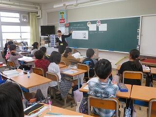 10月21日教育実習生授業.jpg