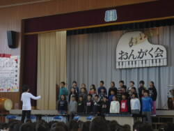 5年合唱.JPG