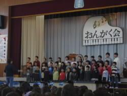 4年合唱.JPG