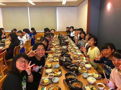 H朝食風景と退村式①jpeg.jpg